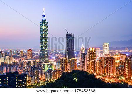 The beautiful sunset of Taipei, Taiwan city skyline