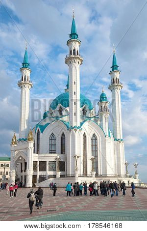 KAZAN, RUSSIA - APRIL 30, 2016: At the Kul Sharif mosque in the April afternoon. Kazan, Kremlin