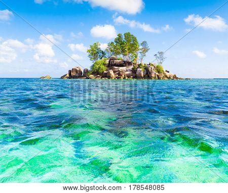 Seascape Lagoon Paradise