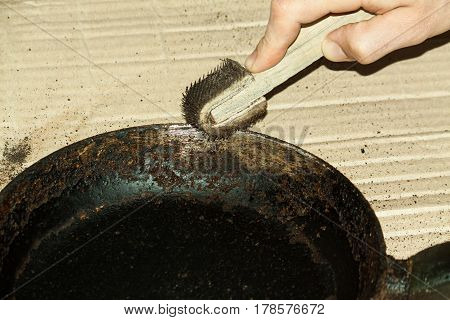 Cleaning Of The Frying Pan