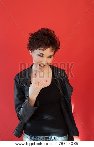the girl with the short hair music hands 1