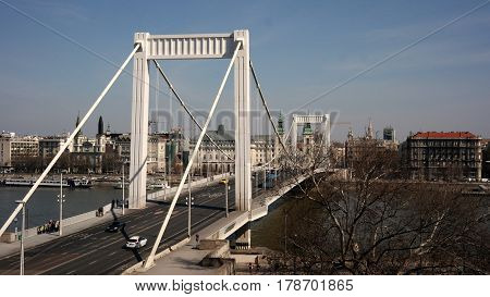 Erzsébet / Elisabeth bridge that spans the Danube river in Budapest