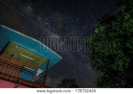 Chasing a stunning Milky Way at night