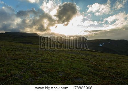 Before the sunset sky over the Viluchinsky pass