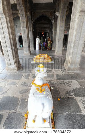 People Prying On The Temple Of Maheshwar Palace
