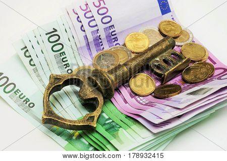 Key to money - a chamberlain's key