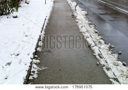 cleared sidewalk snow removal