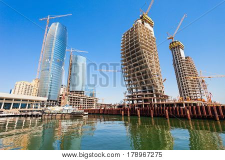 Crescent Development Project, Baku