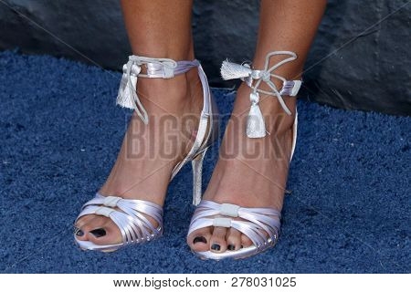 LOS ANGELES - JAN 10:  Heather Hemmens shoe detail at the