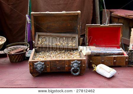 Raw Frankincense and Myrrh from India at a fragrance merchants booth
