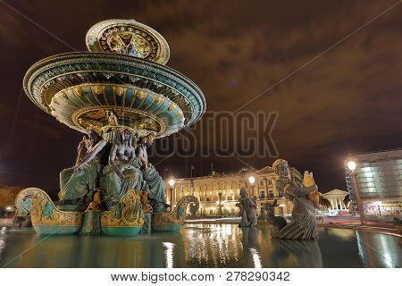 Fountain Of Paris