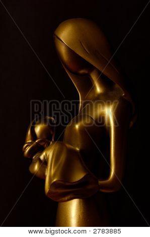 Faceless Statue Depicting Motherhood