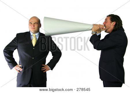 Mega Kommunikation schreien