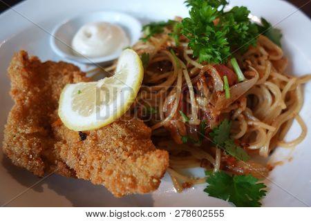 Spaghetti Aglio E Olio With Deep Fried Chicken