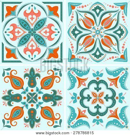 Floral Tile Design In Vintage Style, Vector Seamless Pattern
