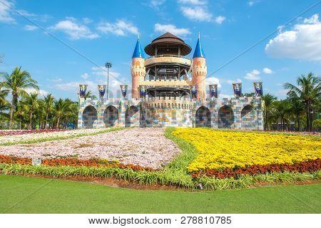 Khon Kaen,thailand - December 24, 2018: Amazing International Flower Festival In Park At Khon Kaen,t