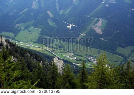 Helicopter In The Air, Use Of Helicopters In Avalanche Control And Civil Protection
