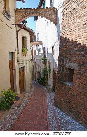 Alleyway. San Gemini. Umbria. Italy.