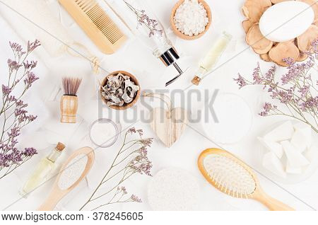 Elegant Light Natural Bath Accessories And Beauty Products For Hygiene And Body Care With Lavender T