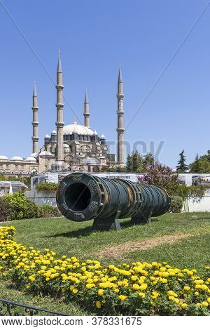 Edirne, Turkey - July 28, 2019: Monument Of Ottoman Sultan Mehmed Ii With Medieval Cannon In City Of