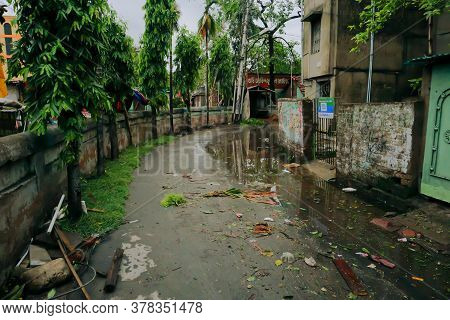 Howrah, West Bengal, India - 21st May 2020 : Rain Water Logged Road, Due To Super Cyclone Amphan. Th