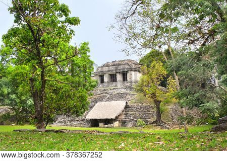 Ruins of mesoamerican stepped pyramid at the pre-Columbian Maya civilization, Palenque, Chiapas, Mexico. UNESCO world heritage site