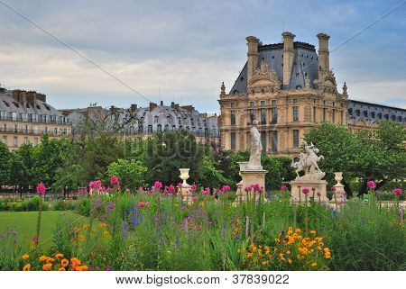 Blooming Paris