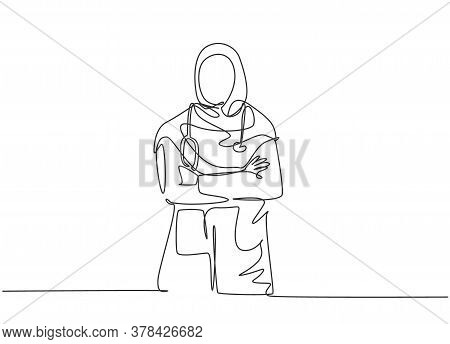 One Single Line Drawing Of Young Muslimah Arabian Doctor Pose Standing And Put The Hand Cross In Fro