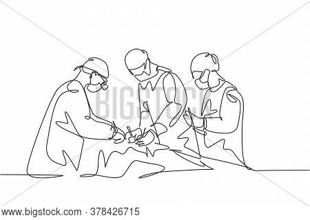 Single Continuous Single Line Drawing Group Of Team Surgeon Doctor Doing Surgery Operation To The Pa
