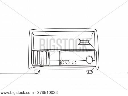 Single Continuous Line Drawing Of Retro Old Fashioned Analog Radio. Classic Vintage Broadcaster Tech