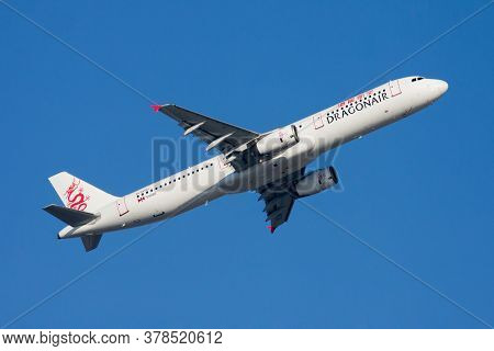 Hong Kong / China - December 1, 2013: Dragonair Airbus A321 B-htd Passenger Plane Departure And Take