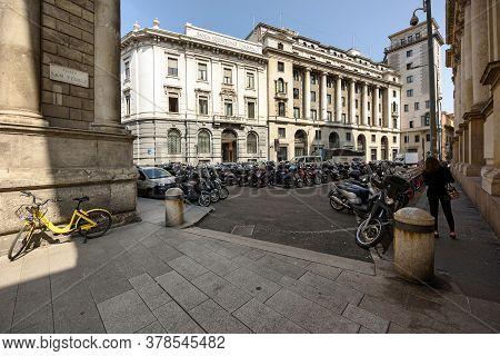 Milan, Italy - April 17, 2018. Palace Of The Banca Commerciale Italian In The Largo Raffaele Mattiol