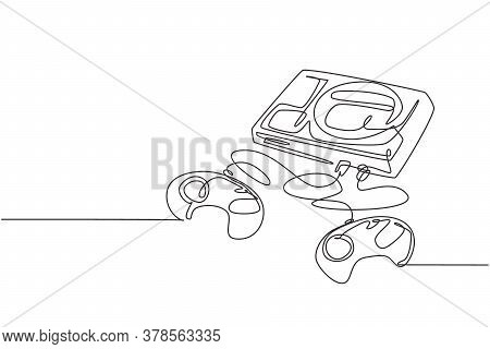 Single Continuous Line Drawing Of Retro Old Classic Arcade Video Game Player With Cassette. Vintage