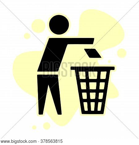 Recycle Trash Bin Icon. Simple Illustration Of Recycle Trash Bin Icon For Web Design Isolated On Whi