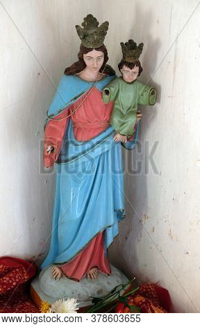 CHUNAKHALI, INDIA - FEBRUARY 26, 2020: Virgin Mary with baby Jesus, Catholic church in Chunakhali, West Bengal, India