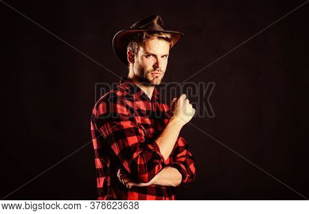 Brave Cowboy. Vintage Style Man. Wild West Retro Cowboy. Cowboy In Country Side. Western. Man Checke