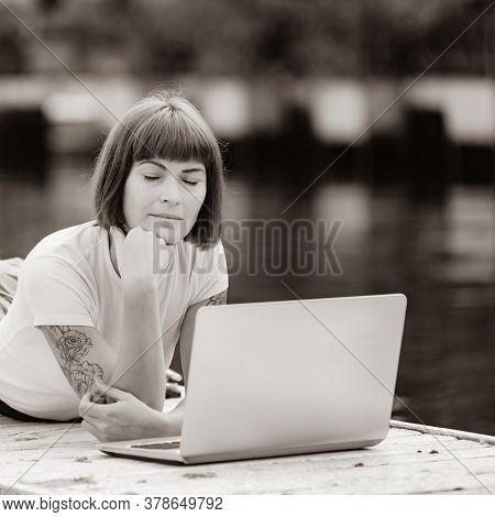 Content Writer Working