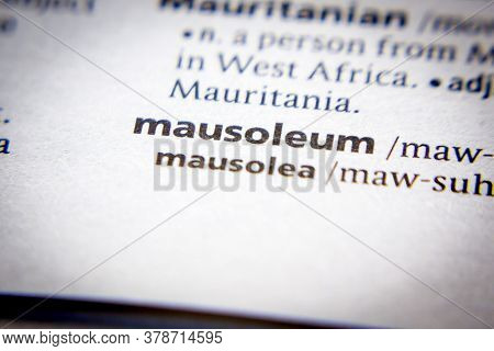 Word Or Phrase Mausoleum In A Dictionary