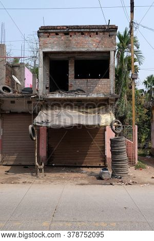 KUMROKHALI, INDIA - FEBRUARY 28, 2020: Simple house in Kumrokhali village, West Bengal, India