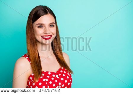 Closeup Photo Of Attractive Pretty Lady Bright Shiny Pomade Smiling White Teeth Good Mood Cheerful W