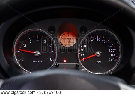 Novosibirsk/ Russia - April 28  2020: Nissan X-trail,  Sign And Symbol On Car Dashboard. Car Speedom