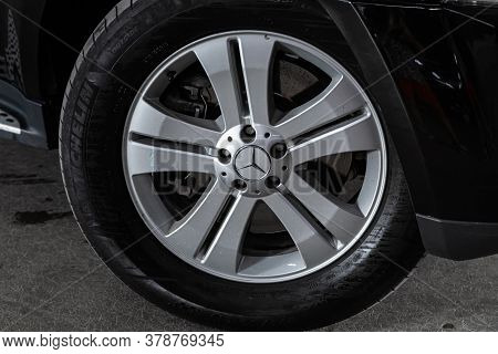 Novosibirsk/ Russia - July 18  2020: Mercedes Benz Gl-class,  Car Wheel With Alloy Wheel And New Rub