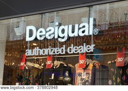 Bordeaux , Aquitaine / France - 07 25 2020 : Desigual Authorized Dealer Logo And Text Sign On Window