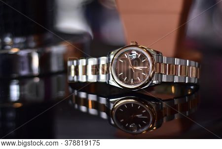 The Jewelry Is A Swiss Watch. The Luxurious Floor Is Reflected In The Reflection. For Businessmen