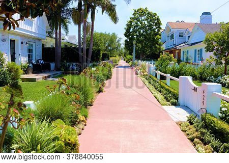 July 30, 2020 In Newport Beach, Ca:  Pedestrian Pathway Thru A Residential Neighborhood Surrounded B