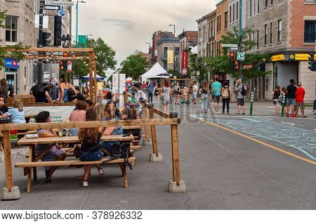 Montreal, Ca - 30 July 2020: Voies Actives Securitaires (safe Active Transportation Circuit) On Mont