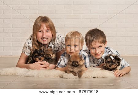 Children and little dogs