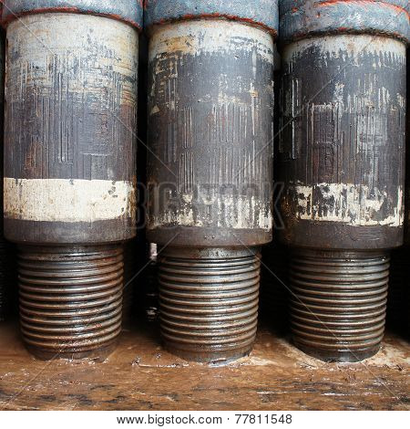 Row of Tool Joint at Pin End of Drillpipe Standing On the floor