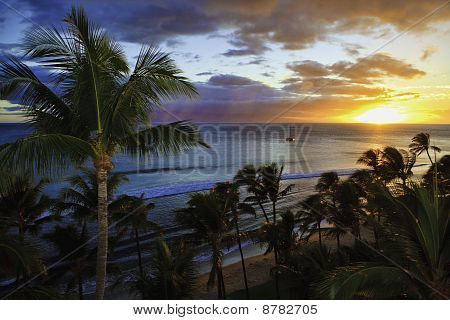 sunset at kaanapali beach