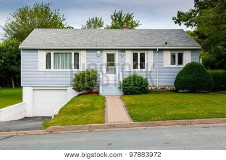 North American bungalow from the sixties or seventies.